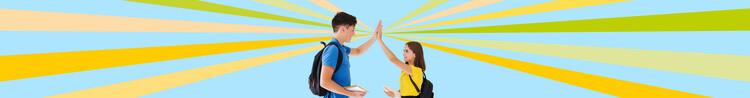 Empowered by Lighthouse: zwei Schüler geben sich High-Five