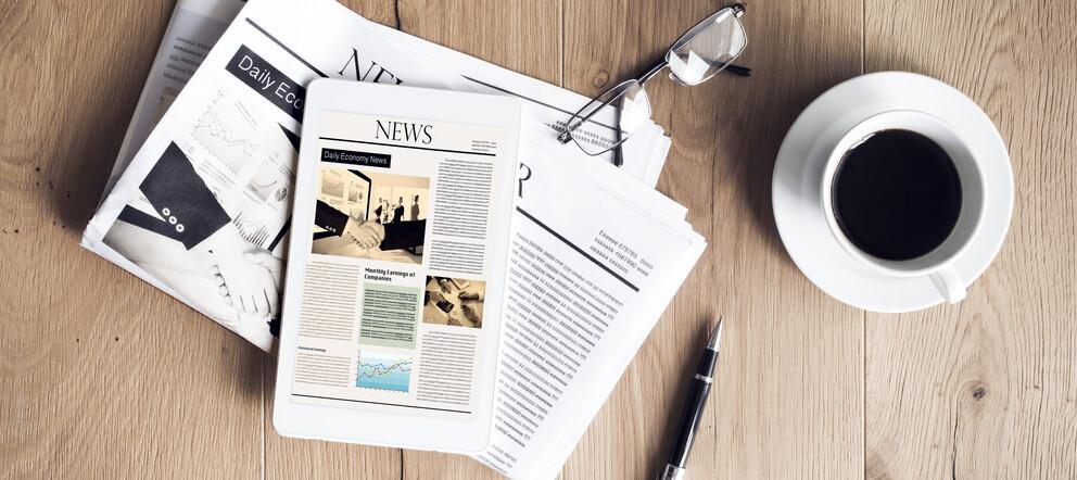Zeitung und Tablet
